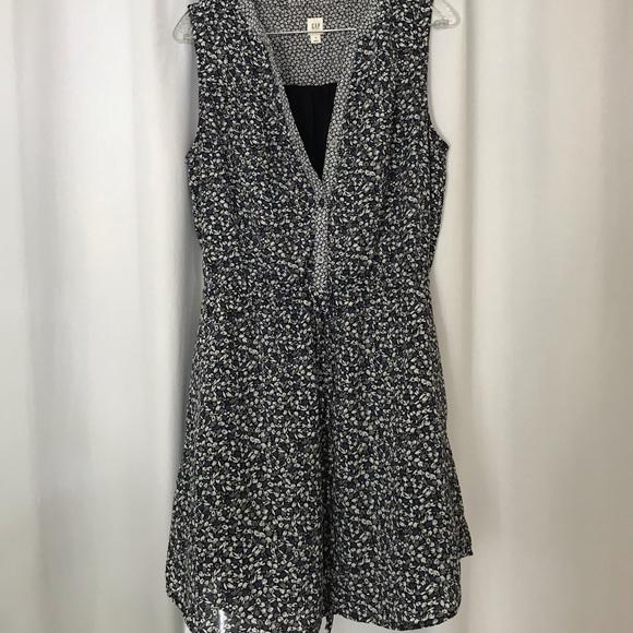 GAP Dresses & Skirts - Gap sleeveless summer dress NWOT